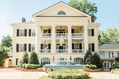 The Inn at Willow Grove: Historical Americana in Virginia Wine Country