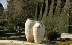 Distinctive Garden | Handmade Outdoor Pottery