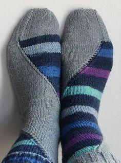 Pole Dance gestrickte Socken von Hypercycloid Designs Craftsy, #craftsy #dance #designs #gestrickte #hypercycloid #socken