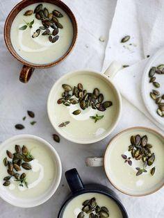 Smooth Jerusalem artichoke soup recipe is on the Karita Tykkää blog.