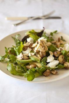 Warm Mushroom, Almond, Chevre and Spinach Salad Spinach And Cheese, Spinach Salad, South African Recipes, Ethnic Recipes, Mushroom Salad, Cooking Recipes, Healthy Recipes, Healthy Food, Salad Topping