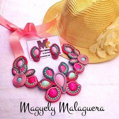 Collar Gardenias Soutache •••Accesorios M2C••• Soutache Venezuela +584149565090 Envíos Internacionales y Ventas al Mayor!