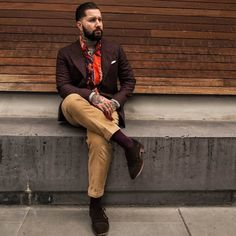 For my Autumnal Italian brothers  @ninety5studio  Jacket: @scotchsodaau Rollneck: @hermenmenswear Scarf: Thrift Pants: @ralphlauren. (vintage) Shoes: @loakesverige