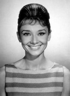 Audrey Hepburn & her beautiful smile.