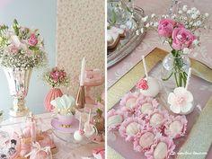 Lima Limão - festas com charme: Muitas flores para a festa do batizado da Maria do Carmo!