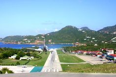 st barts airport - Been There!  Scary!