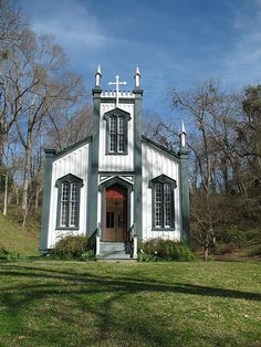 Confederate Memorial Chapel, formerly Rodney Sacred Heart Catholic Church. The building was donated to the state by the Rodney Foundation and moved to its current site in Grand Gulf State Military Park (Grand Gulf, Mississippi) in 1983.