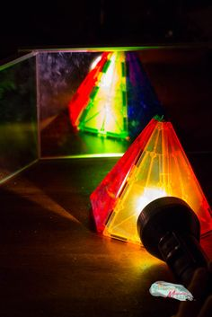 mirror-and-light-science-experiments-for-preschoolers-3