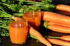 Maybe you have wondered the benefits of carrot juice? Is carrot juice advantageous to you personally? Carrot juice may be the richest source of Vitamin A Health Benefits Of Carrots, Carrot Benefits, Juicing Benefits, Whole Foods, Whole Food Recipes, Juice Recipes, Soup Recipes, Diet Recipes, Carrot Recipes