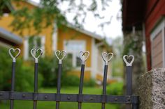Visit the gardens in Kristinestad! Visitors to Kristinestad often wish that they could take a look at the idyllic wooden house environment from the inside. Footprints, Helsinki, Gates, Garden Tools, Viajes, Yard Tools, Gate