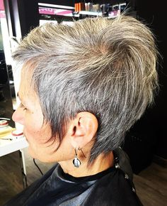 Grey hair don't care, a short textured cut for this trend setter ✂️ #hairstylist #londonont #lorealprofessionnel #lorealpro #scruffme #hairbythelmabento #texture #shortcut #greyhair #tazhairco #haircut #trendy
