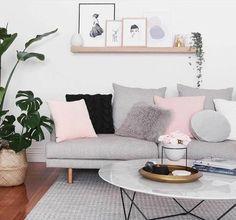 super idée déco salon gris et blanc, couleur peinture salon, canapé, tapis gris, accents rose, élégance et douceur