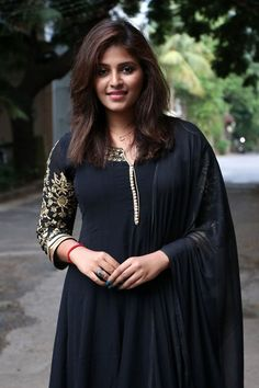 Anjali Photo Gallery: Tamil Actress Anjali's Latest Pictures and Photos - Galatta Indian Actress Photos, Actress Pics, South Indian Actress, Indian Actresses, Stylish Girls Photos, Girl Photos, Photoshoot Images, Latest Images, Indian Models