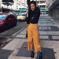 """2,164 curtidas, 18 comentários - Daniela Laender (@_danielalaender) no Instagram: """"blusa e sapato (vício) @mundolusine 💛"""""""