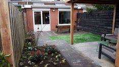 In Houten hebben wij deze tuin met overkapping aangelegd! Ook de twee terrassen, het tuinpad  en de schutting zijn door ons aangepakt. Ook behoefte aan een nieuwe tuin? Kijk op onze website! Ook voor tuinonderhoud, boomverzorging of andere tuinklussen bent u bij ons aan het juiste adres.   https://schoffelstudent.nl/offerte-aanvragen/ https://schoffelstudent.nl/tuinaanleg https://schoffelstudent.nl
