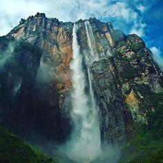 Reposting @click.honeysm: Sky dive anyone?   #wanderlust #landscape #inspiration #travel #motivation #beautiful #outdoors #hiking #mountain