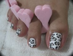 Pedi: Snow Leopard pedi-nail-art