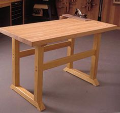 Simple-to-Build Workbench Woodworking Plan from WOOD Magazine