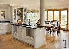 Island with pole Beach Kitchens, Cool Kitchens, Dining Area, Kitchen Dining, Nice Kitchen, Kitchen Ideas, Period Living, Diy Home Cleaning, Kitchen Family Rooms