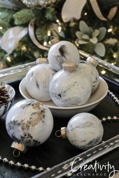 DIY Marbleized Christmas Ornaments Using Testors Paints. Get creative and make these DIY marbleized Christmas ornaments using acrylic paint that look like marble and granite stone. Step by step instructions and tutorial. Diy Christmas Ornaments, Holiday Crafts, Christmas Decorations, Xmas, Holiday Decor, Christmas Ideas, White Ornaments, Ornament Crafts, Christmas Balls