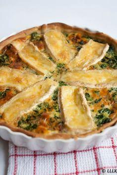 Oud & Nieuw: quiche met brie en spinazie Quiche Recipes, Veggie Recipes, Vegetarian Recipes, Cooking Recipes, Fast Recipes, Burger Recipes, Seafood Recipes, Food Porn, Oven Dishes