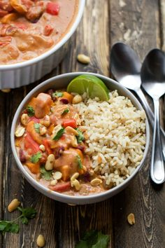 An African stew made with sweet potatoes, kidney beans, tomatoes, and of course peanut butter! It is an amazing flavor combination, trust me on this one. Sweet Potato Recipes, Veggie Recipes, Vegetarian Recipes, Dinner Recipes, Healthy Recipes, Vegan Soups, Vegan Dishes, Food Dishes, Main Dishes