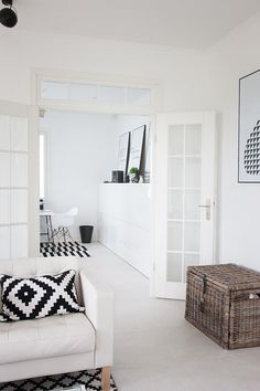Suomen kauneimpia koteja - Kannustalo Interior, Living Room Modern, Diy Apartments, Home Decor, House Interior, Home Deco, White Interior, White Room Decor, Boho Chic Living Room