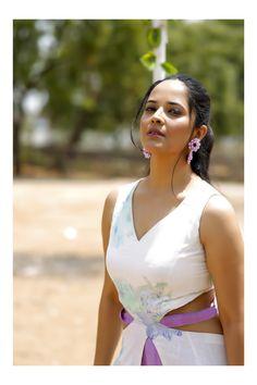 Anasuya Gallery pics - Photogallery - Page 1 Tv Actress Images, Hollywood Actress Photos, Hollywood Heroines, Tamil Actress Photos, Bollywood Cinema, Bollywood Photos, Sonam Kapoor, Deepika Padukone, Model Photos