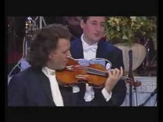 A funny moment from one of Andre Rieu's Concert. I don't know wich one of them, but i'll try to find out.Enjoy :)