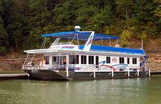 Houseboat vacation on Lake Cumberland is a must!  Check out Conley Bottom Resort for your boat rental needs!