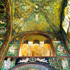 A #frifotos nod to #blogville The mesmerizing #mosaics of Ravenna - Instagram by @suuperg