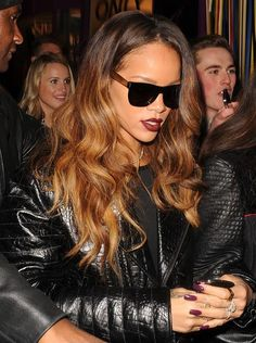 Rihanna Models the Perfect Color to Wear on a Cold Mid-Winter's Day Rihanna Hair Color, Rihanna Style, Rihanna Long Hair, Rihanna Outfits, Hair Inspo, Hair Inspiration, Colour Inspiration, Estilo Rihanna, Top Mode