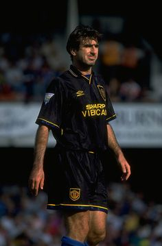 Icons: Eric Cantona - Official Manchester United Website