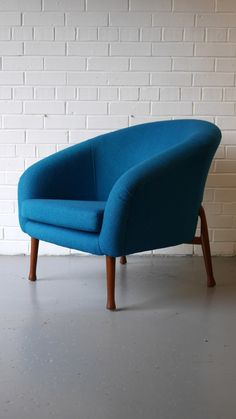 Vinterior is the online marketplace where the world buys and sells remarkable vintage and antique furniture across every lifestyle, budget and taste. Mid Century Chair, Mid Century Furniture, Retro Furniture, Antique Furniture, Blue Armchair, Dining Room Chairs, Tub Chair, Teal Blue, Outdoor Chairs