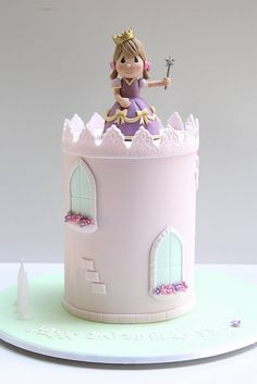 Princess Cake by Creative Cakes by Julie, via ideas Baby Cakes, Girly Cakes, Pretty Cakes, Cute Cakes, Yummy Cakes, Fondant Cakes, Cupcake Cakes, Bolo Rapunzel, Disney Rapunzel