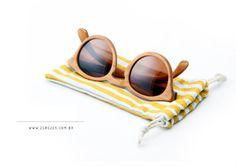 Os óculos de sol da marca brasileira Zerezes que são produzidos com madeira reaproveitada, com o selo verde do Ibama ou até mesmo com a sobra das serragens utilizadas em outras peças.