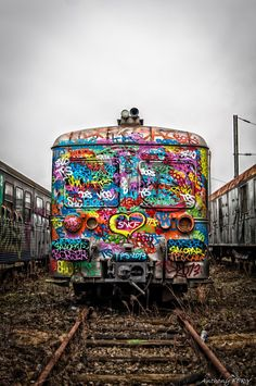 Colorful train by unknown graffiti artist Street Art Graffiti, Graffiti Murals, 3d Street Art, Graffiti Artists, Urban Graffiti, Street Artists, Urban Street Art, Urban Art, Amazing Street Art