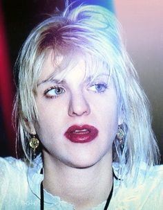 Kurt Cobain, Courtney Love 90s, Cortney Love, Fender Bender, Frances Bean Cobain, Bleach Blonde Hair, Still Love Her, Riot Grrrl, Mind Set