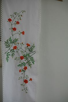Embroidered Pillowcases, Motifs, Hand Embroidery, Stitches, Pillow Cases, Bedding, Projects To Try, Pillows, Flowers