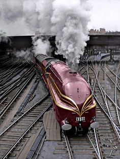 Steam train, LMS Coronation Class locomotives, in 1937 to commemorate the coronation of King George VI. These streamlined trains were designed by W. Zeppelin, Steam Railway, Train Art, Rail Train, Old Trains, Train Pictures, Train Engines, Light Rail, Steam Engine