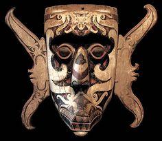 RITUAL MASK DAYAK BAHAU AUTHENTIC ANTIQUE DAVID HOWARD TRIBAL ART RITUAL MASK DAYAK BAHAU AUTHENTIC ANTIQUE Head Hunter, Body Mask, Indonesian Art, Human Skull, Quiver, Borneo, Old Antiques, Tribal Art, Headgear
