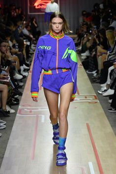 Iceberg Spring/Summer 2019 Menswear Li-Ning Is the Chinese Sportswear Brand You Need to Know Sport Fashion, Fashion Show, Fashion Design, Fashion Trends, Sports Luxe, Sportswear Brand, Designer Sportswear, Vintage Sportswear, Sport Wear
