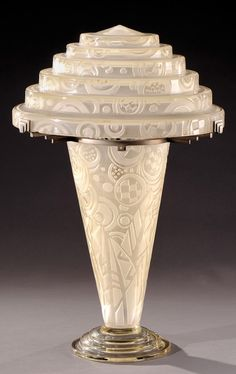 Important conical glass lamp in a bronze mounting made by André Delatte in his workshop in Jarville near Nancy. Signed «Jarvil Nancy». Circa 1930. H : 25 in.
