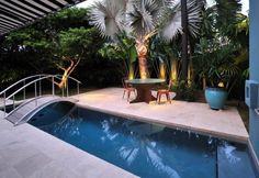 """Résultat de recherche d'images pour """"piscine jardin avec pont"""""""