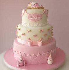 what a beautiful baby shower cake. Torta Baby Shower, Amazing Baby Shower Cakes, Beautiful Baby Shower, Pretty Cakes, Beautiful Cakes, Baby Girl Christening Cake, Bolo Minnie, Occasion Cakes, Fancy Cakes