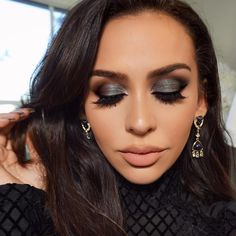 Dramatic Dark Gray Eyes from Beauty by Carli Bybel #dramaticeyemakeup #fallmakeup