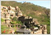 Deogarh:- Deogarh (Also known Devgarh) in Rajasthan. Tourist place in Rajasthan, Famous Deogarh Mahal.