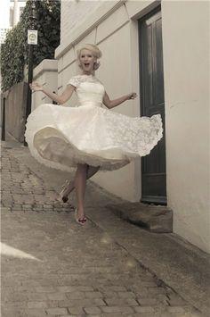 Short lace wedding dress - Mooshki (Sarah). My favorite short wedding dress.