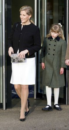 Sophie with daughter Louise Crown Princess Victoria, Crown Princess Mary, Countess Wessex, Louise Mountbatten, Reine Victoria, Lady Louise Windsor, Princess Madeleine, Royal Babies, Hollywood Fashion