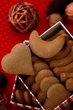 """""""Szybkie"""" pierniczki Galletas Cookies, Cupcake Cookies, Biscuit Cookies, Yummy Cookies, Delicious Deserts, Yummy Food, Gingerbread Cookies, Christmas Cookies, Christmas Eve"""